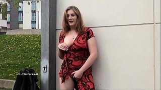 Longhaired sandy-haired Jannas public onanism and outdoor mummy flashing the stre
