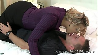 Mother MILF seduces the handyman
