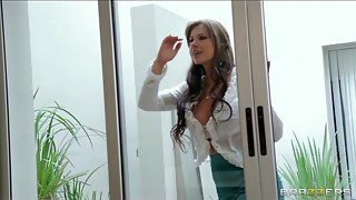 Dominant Latin babe MILF fucks her neighbor