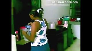 Cojiendo empleada domestica - www.putaslocas.net